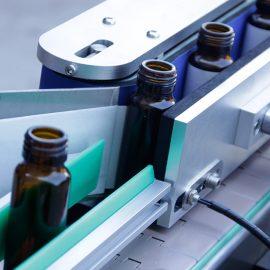 Automatikus függőleges kerek palack matrica címkéző gép részletei